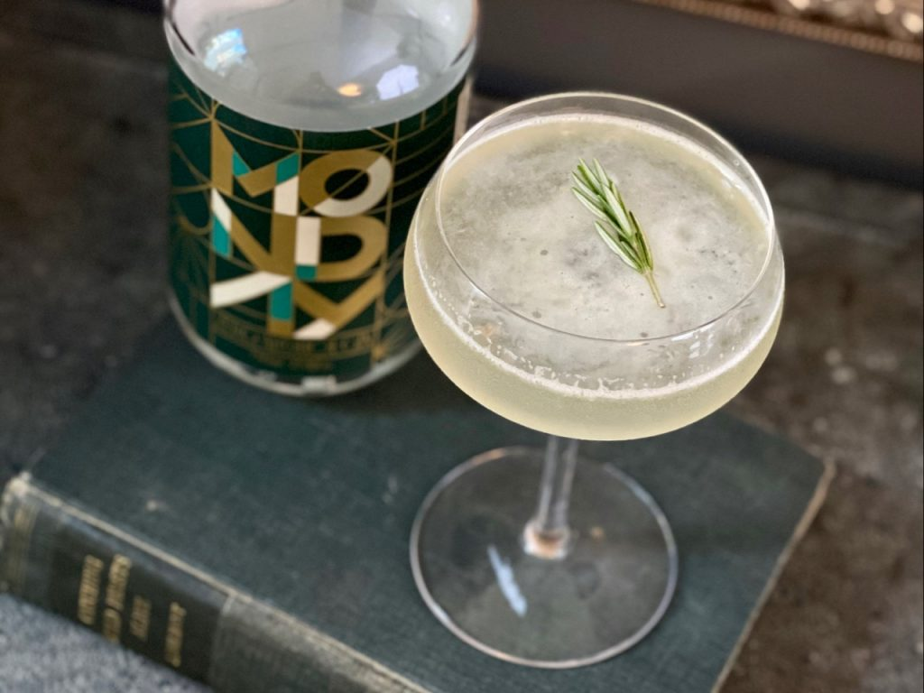 bees knees mocktail with non alcoholic gin