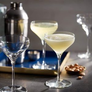 best coupe glasses for a wedding toast  with an elegant silhouette