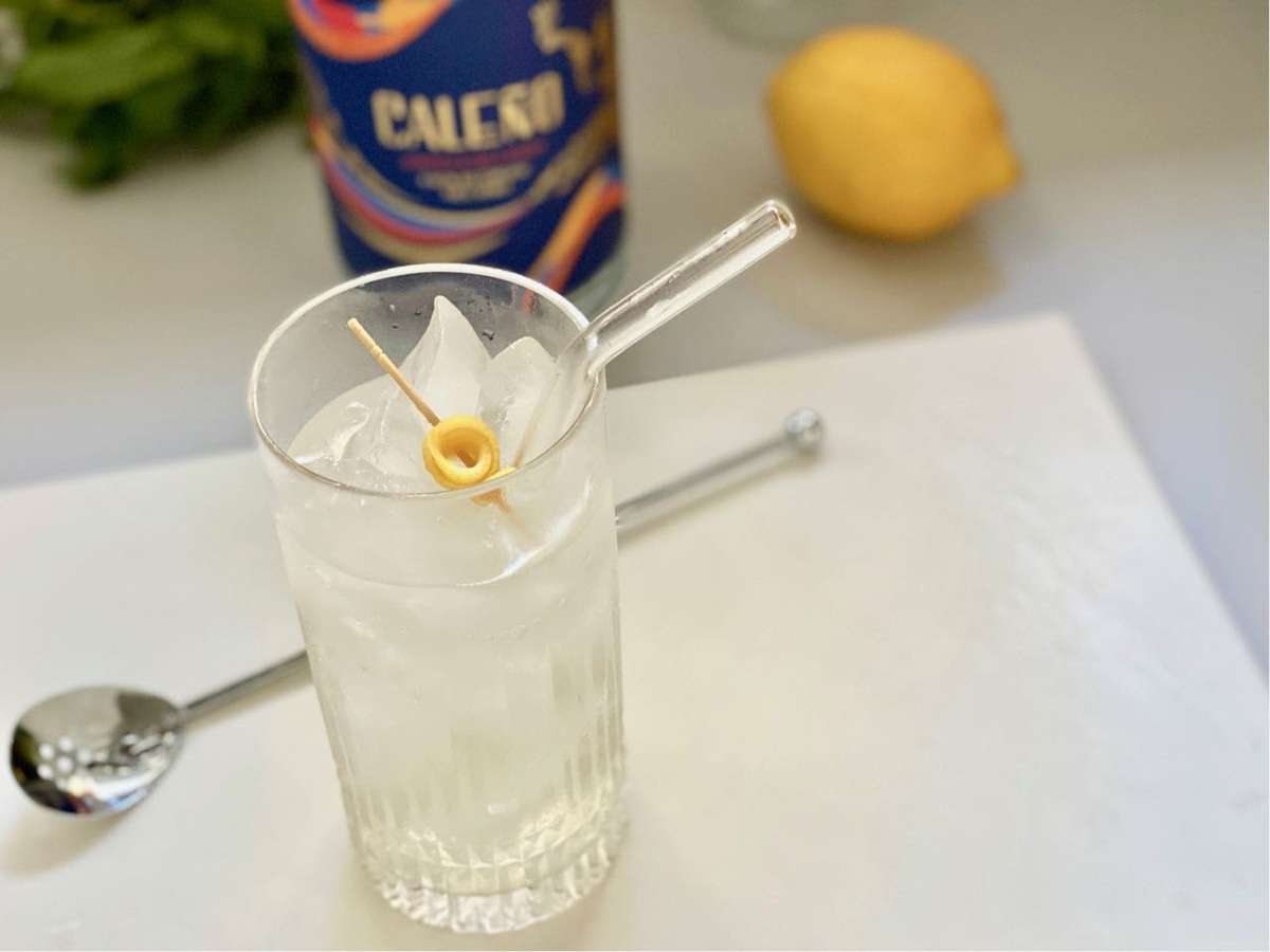 collins mocktail with caleno light