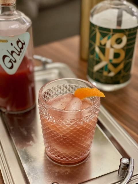non alcoholic Negroni with ghia and monday