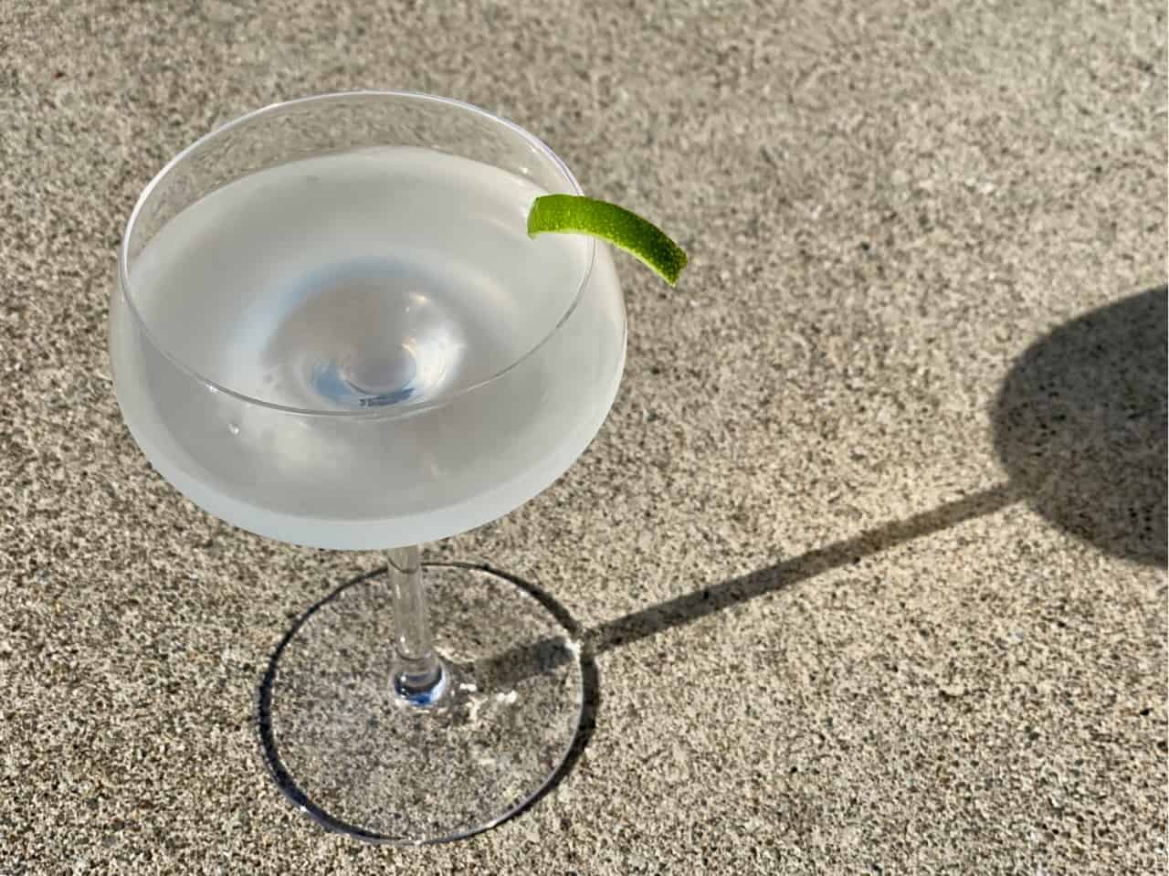 non alcoholic gimlet with lyres