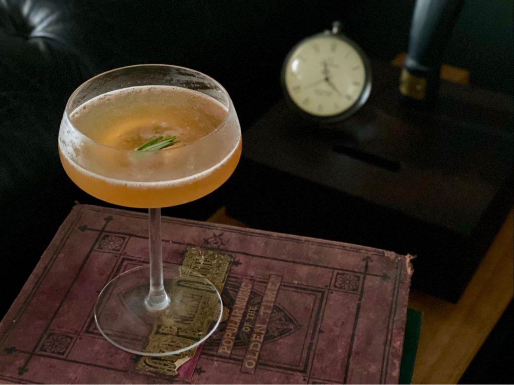 non alcoholic whiskey cocktail test