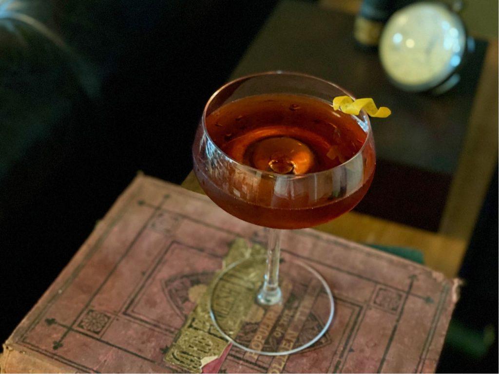 versin vermouth cocktail