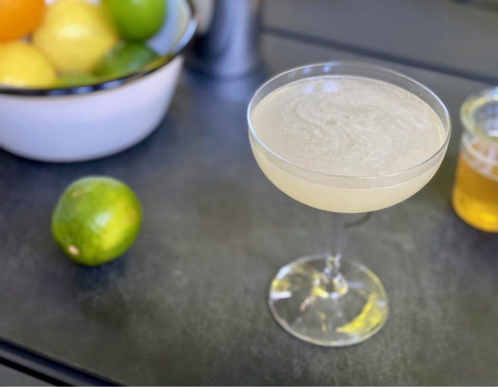 non alcoholic gimlet with ritual gin