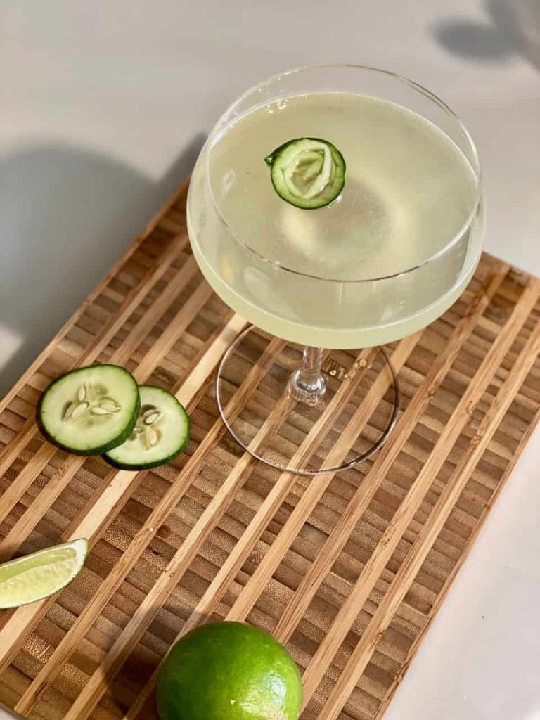 seedlip garden cocktail with cucumber