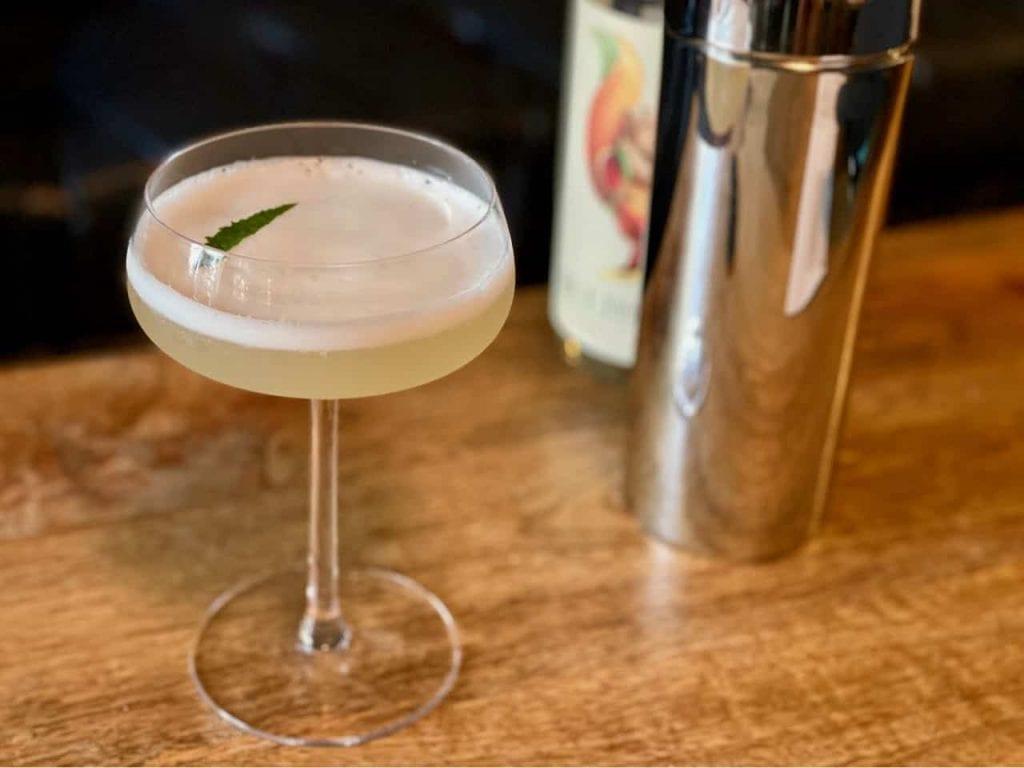 seedlip cocktail recipe sour blossom